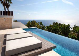 avar-biệt-thự-3-tầng-phong-cách-Spanish-hiện-đại
